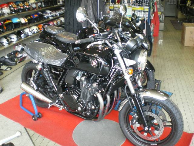 CB1100ブラックスタイル特別仕様