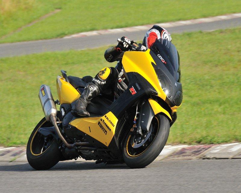 どんなバイクでも楽しいよ!!