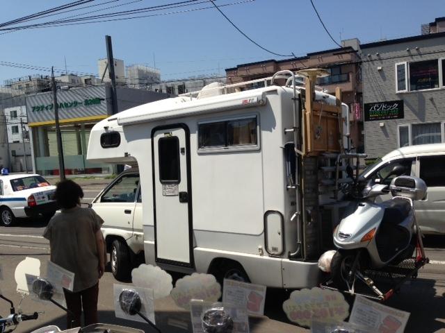 今朝は社長がお世話になっている新潟のお客様が、キャンピングカーでご来店☆はるばる遠方からありがとうございます!!