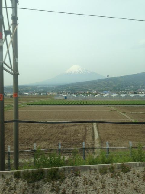 ちょっと曇っていたのですが・・・富士山!!※新幹線の車窓から♪