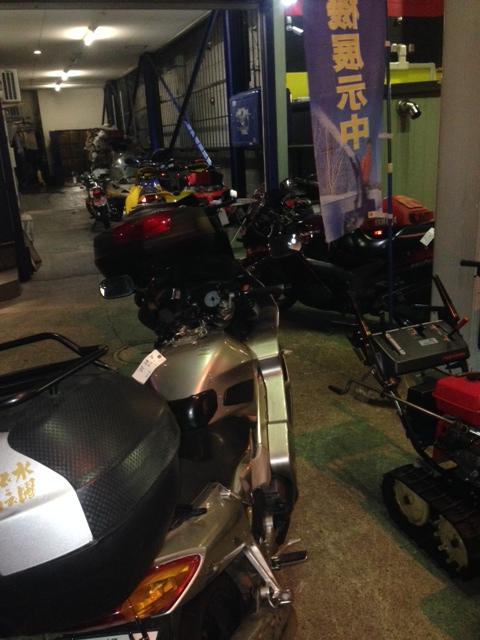バイク、除雪機、モービル・・・いっぱい入庫中!笑