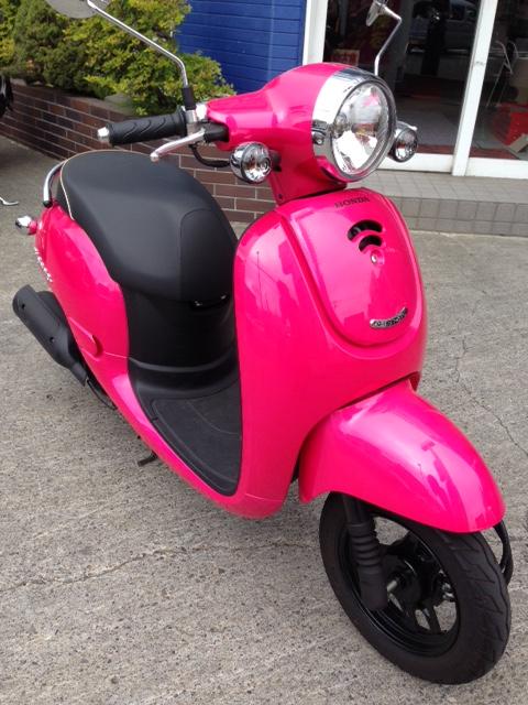 ピンクのジョルノ入庫☆キュートなショッキングピンクです〜♪