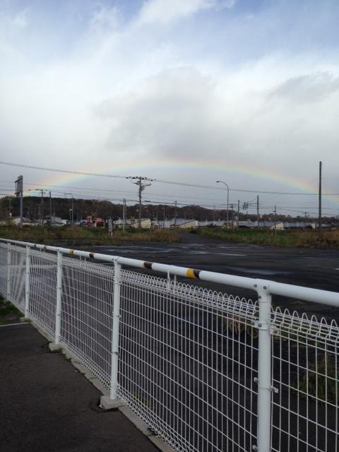 これも函ツー。帰りずっと雨。一瞬虹!からの雪w笑